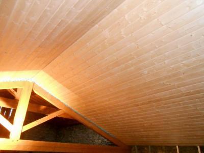 lambris sous toiture